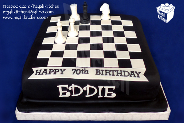 Black-and-White-Chess-Board-and-Pieces-Birthday-Cake-for-Chess-Grandmaster-Eddie